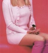 199x-minijupe-top-cardigan-bottes-b